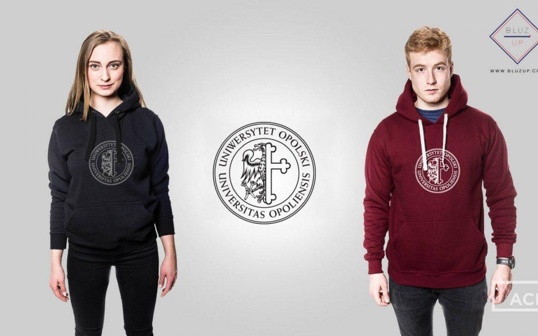 Zamów bluzę z logo Uniwersytetu Opolskiego!